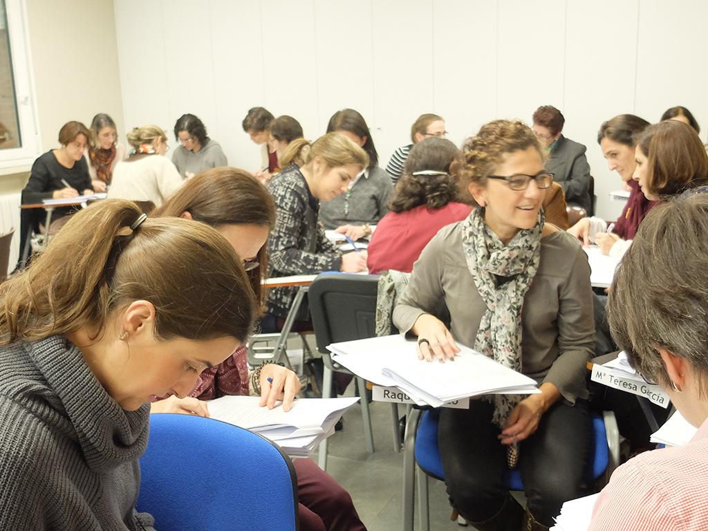 Imagen de alumnas en clases grupales en el Ceicid